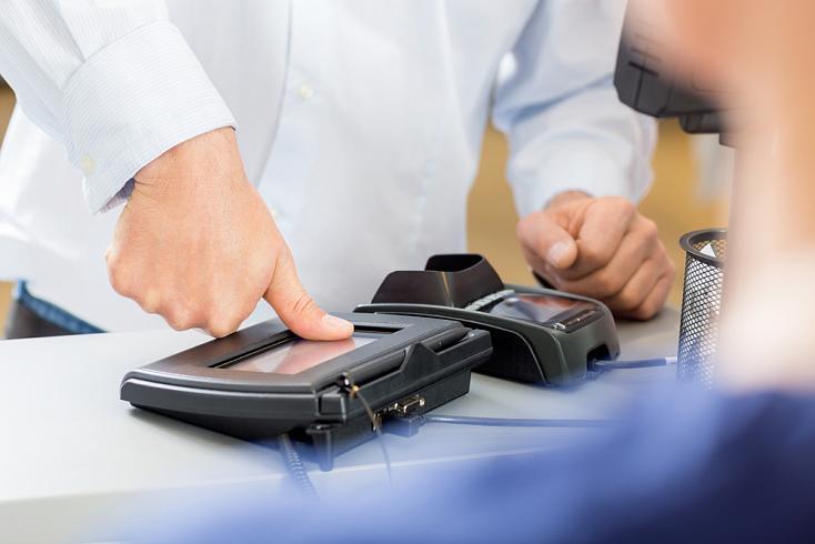В Сбербанке выпустили инструкции по оплате покупок с помощью биометрии